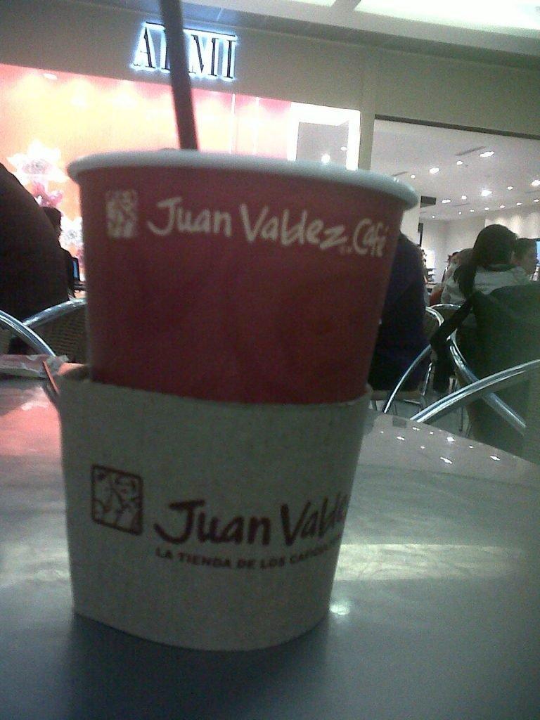Bogotá, tierra de mitos y leyendas. cafe Juan Valdez.
