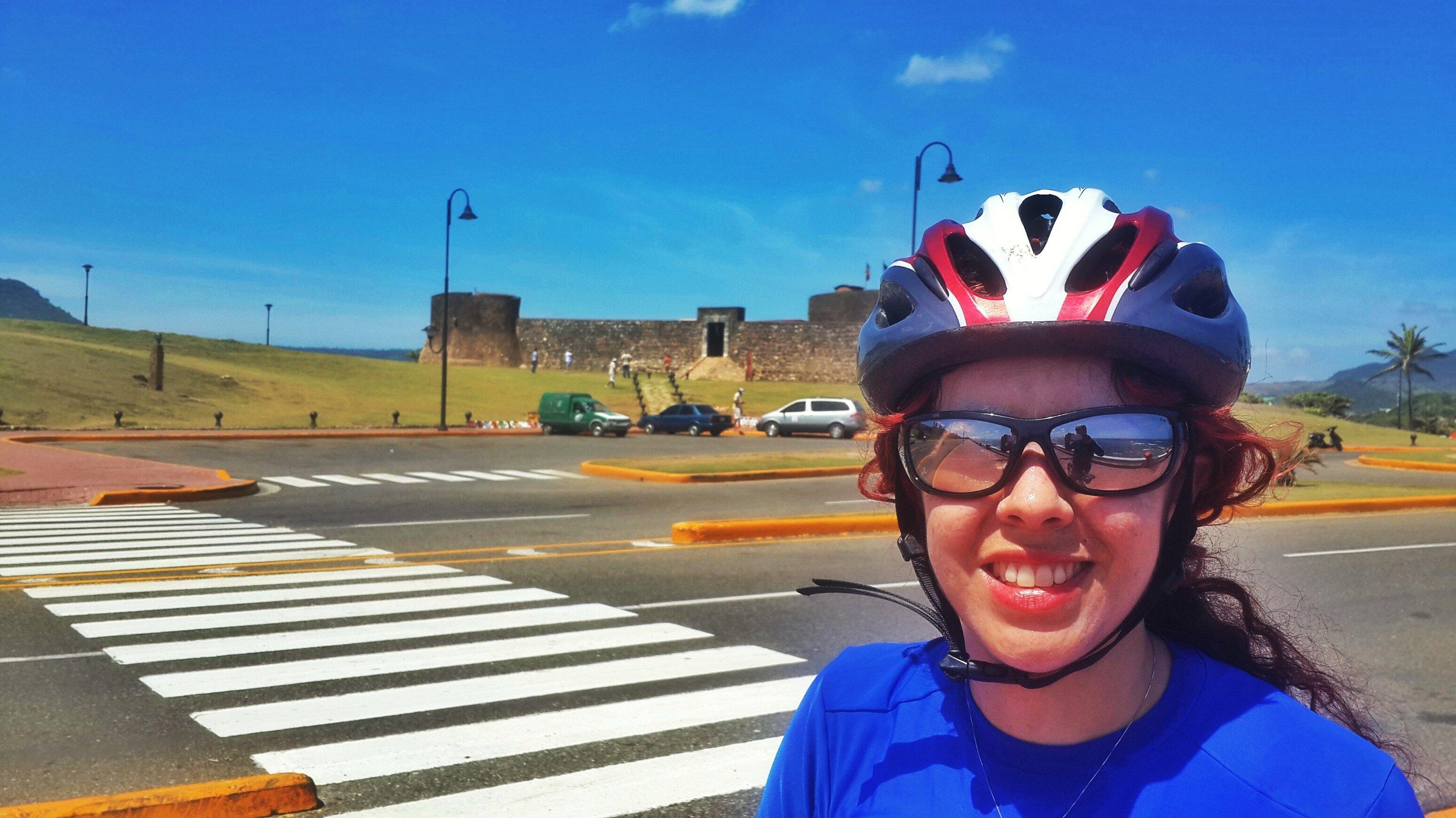 ciclovia frente al Fuerte San Felipe