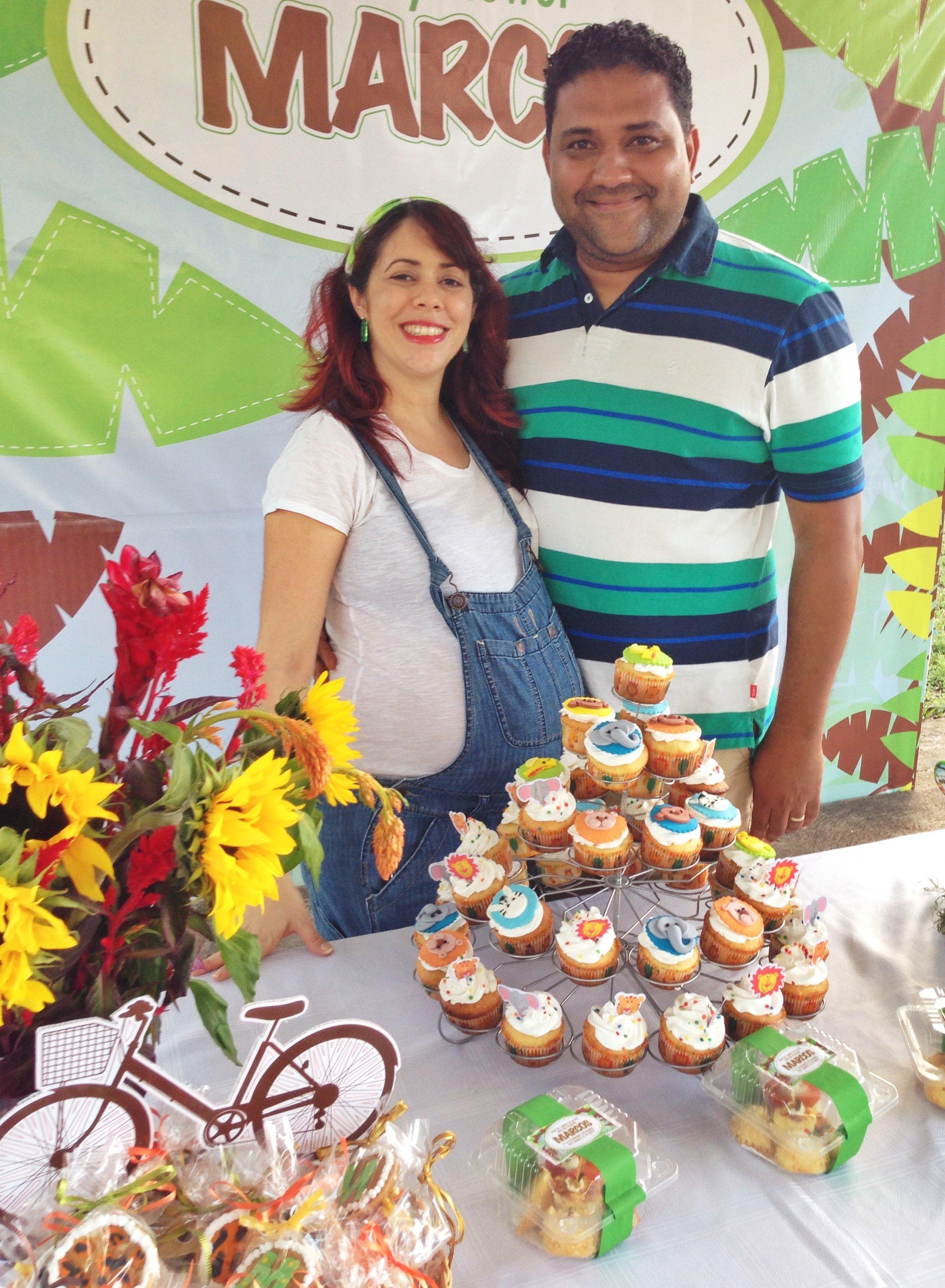Madre y padre de Marcos en su babyshower