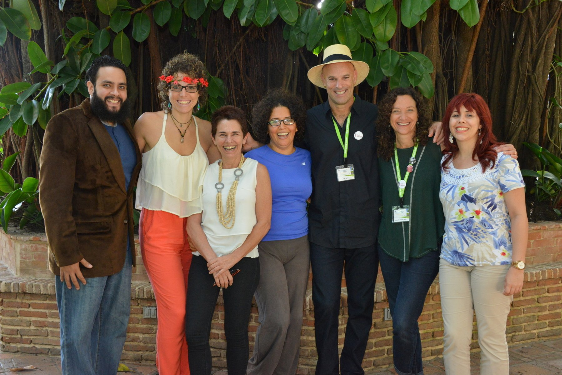 Jeff y Jenniffer Spitz junto al equipo del Blog Cultura Green, Carola de Braçai, Benita de Mercado Orgánico y una servidora.