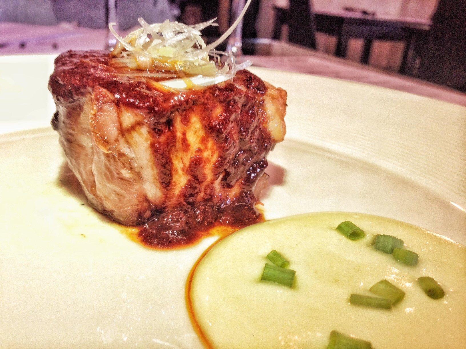 Bondiola de cerdo asada con salsa Shu-yo