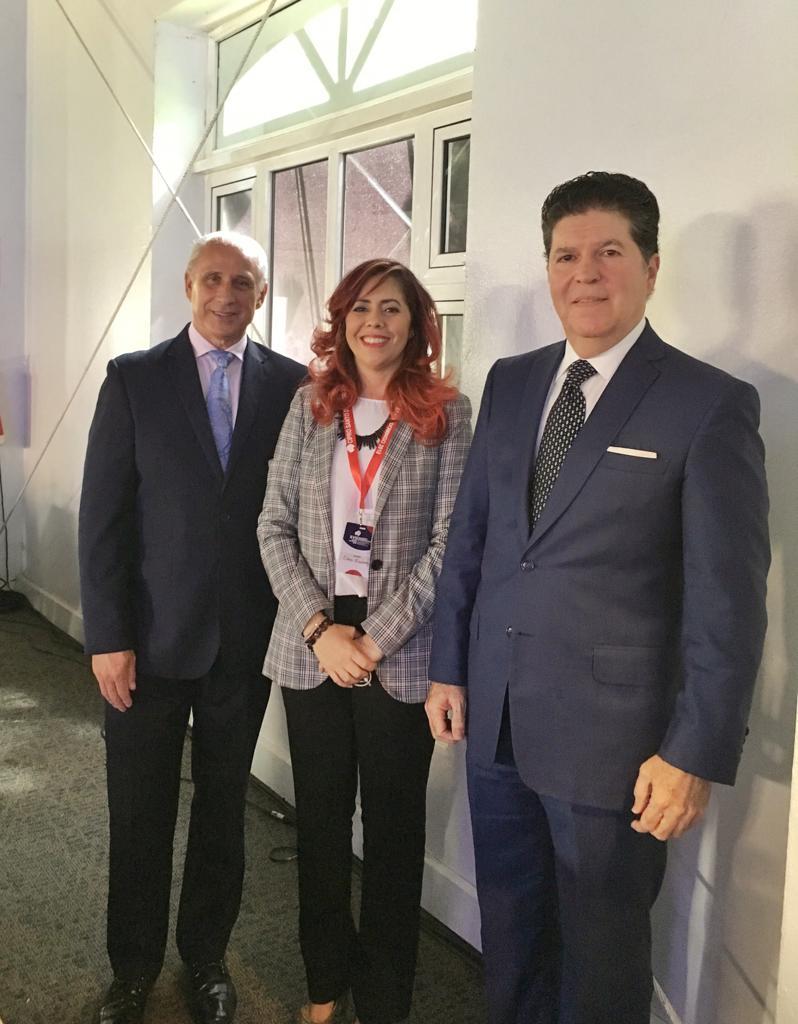 José Carlos de Santiago, Elaine Hernández, de Bocatips; y Luis Ros. Lanzamiento diplomacia gastronómica
