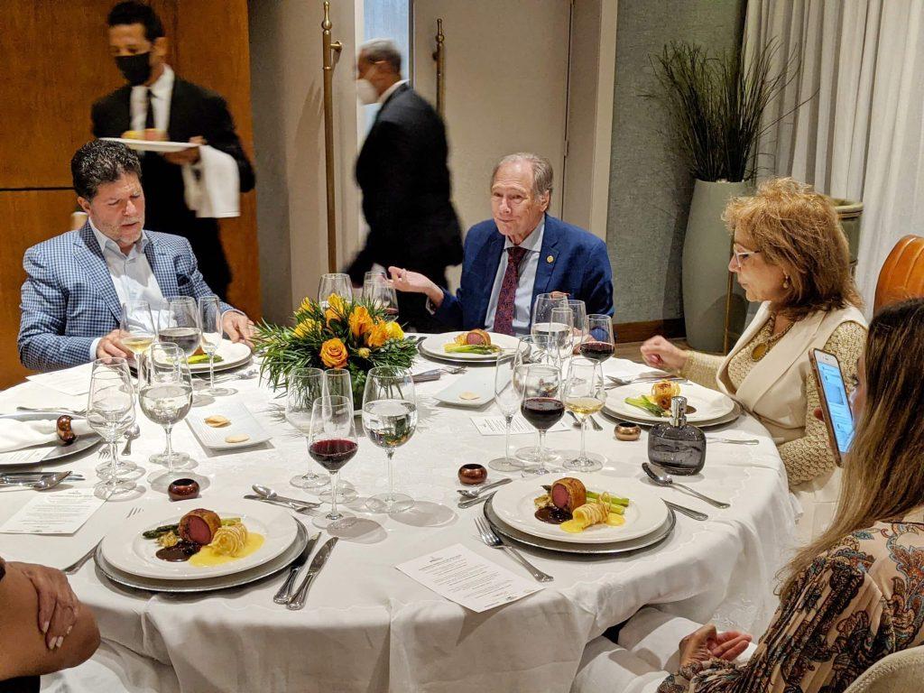 Luis Ros, de la ADG, Geo Ripley del MICUL y la embajadora Rosa Ma. Nadal de asuntos culturales del MIREX