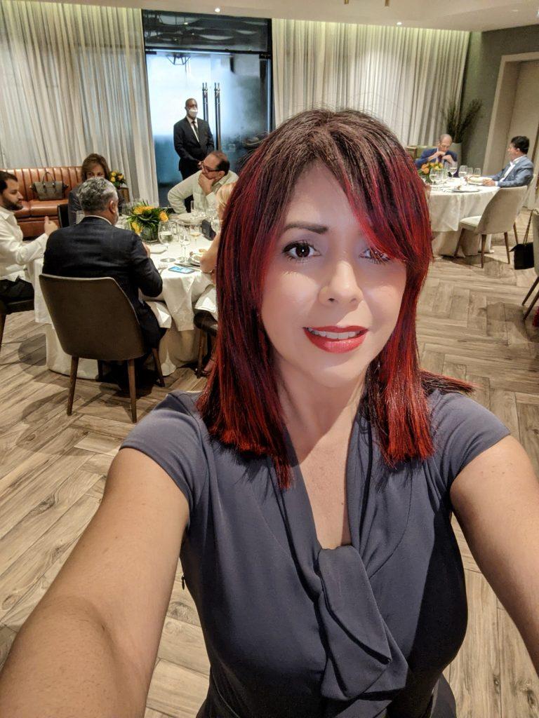 Elaine Hernández de Bocatips realiza Maestría de Ceremonia