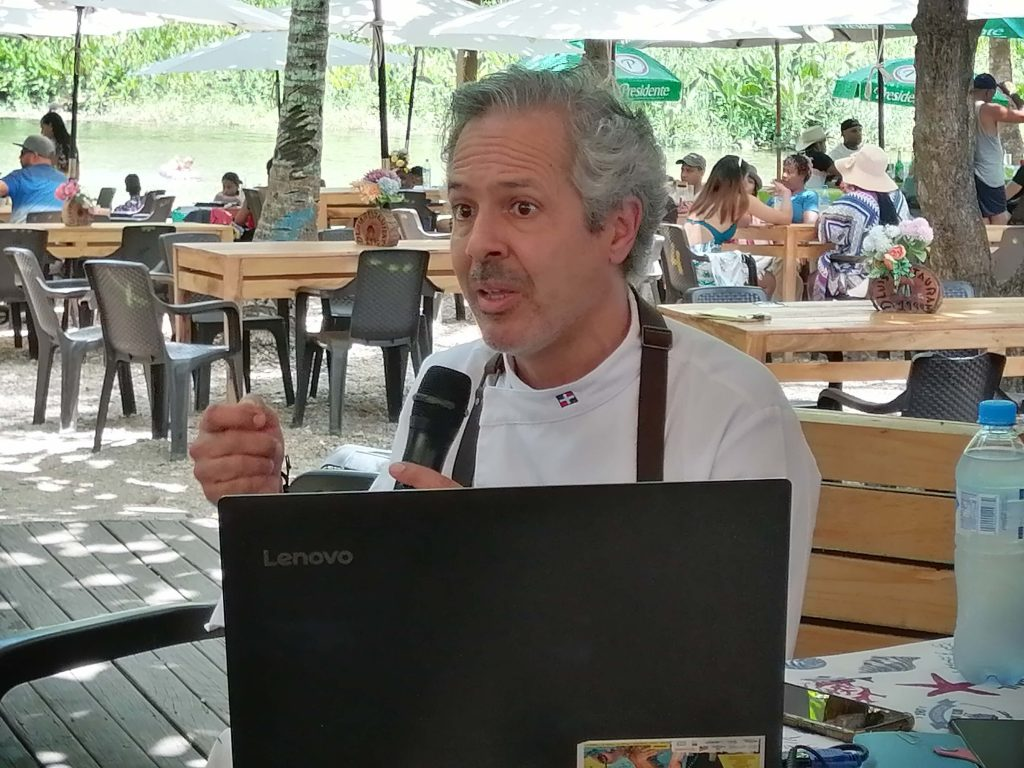 Clúster Barahona inicia proyecto protege productos locales. Chef Carlos Estevez.