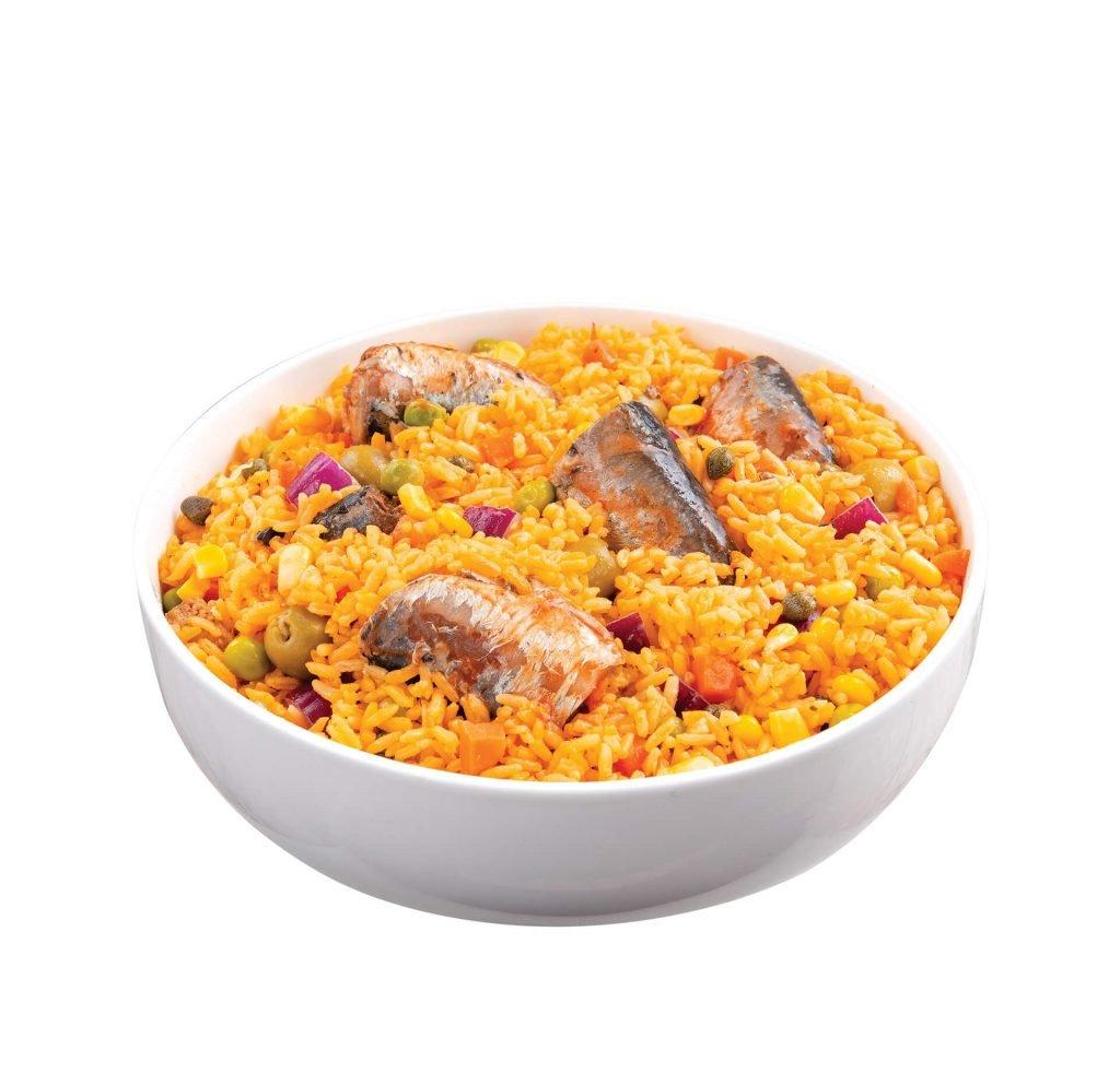 El locrio de sardinas es una adaptación de la paella valenciana.